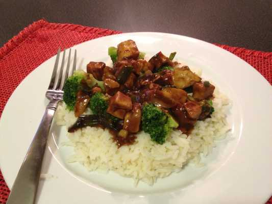 Kung Pao Chicken with Broccoli Recipe - Made easy with Tyson ready made chicken, Sunbird spice blend, frozen broccoli and boil in bag rice.