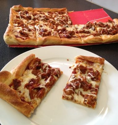 Meals on a Budget: DIY Montgomery Inn Pulled Pork Pizza