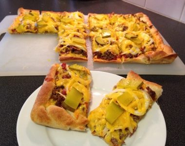 Meals on a Budget Recipe: Bacon Cheeseburger Pizza