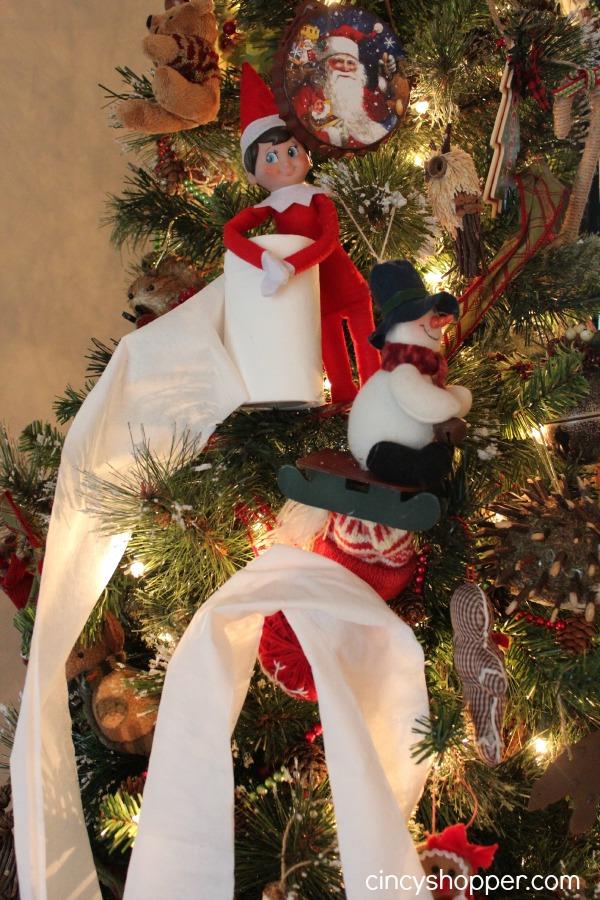 Elf-on-the-shelf-tp's-the-Christmas-tree-2
