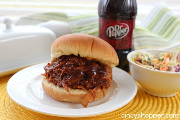 Slow Cooker Dr Pepper Pulled Pork- AMAZING flavors in this easy crock-pot meal. Plus it's super easy!