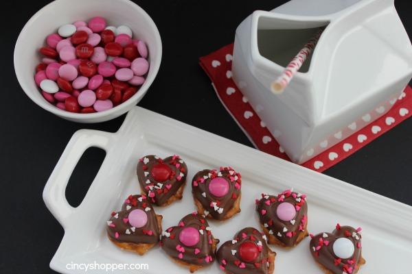 Heart-Pretzel-Treats