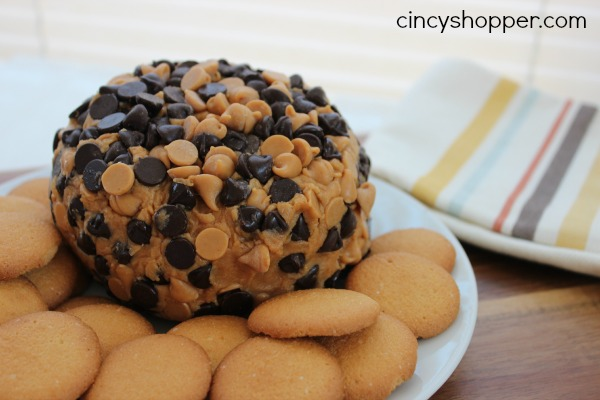 Peanut Butter Cheeseball- Great appetizer for all of the peanut butter fans. So easy too!