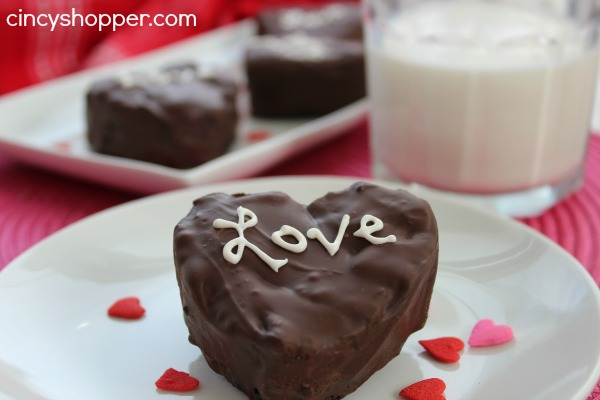 Valentine-Hearts-Brownies-Marshmallow-Filled