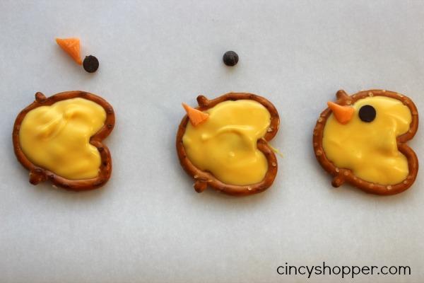 Easter Pretzel Chicks Treat