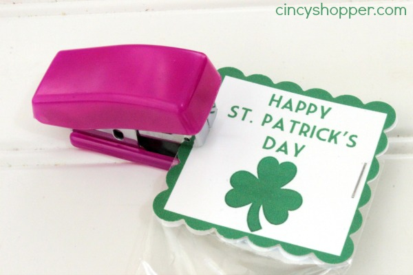 St Patrick's Day Rainbow Twizzler Treat Bags with FREE Printable Label