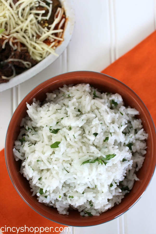 CopyCat Chipotle Lime Rice Recipe  Super simple to make right at home. Makes a great side dish or for adding to bowls, burritos and more!