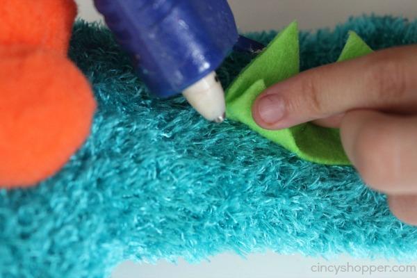 DIY Monster Sock Puppet 8