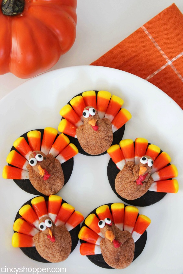 Peeps Turkey Treats, Super simple Thanksgiving treat idea using PEEPS minis. So easy...even the kiddos can make them.