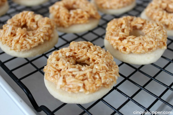 CopyCat Girl Scout Somoa Cookies- Satisfy your cravings all year! Yummy shortbread cookie topped with caramel, toasted coconut and a chocolate coating.
