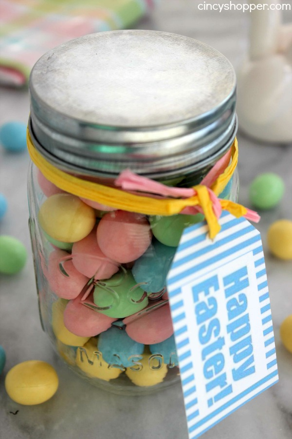 Easter jar gift with candy cincyshopper diy easter candy jar gift with free printable tag super easy and super inexpensive easter negle Images
