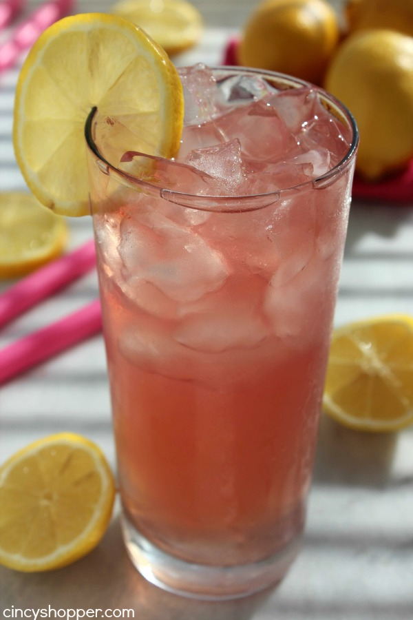 Homemade Pink Lemonade- Perfect drink to serve at your summer BBQs or parties. Find out what makes it pink!