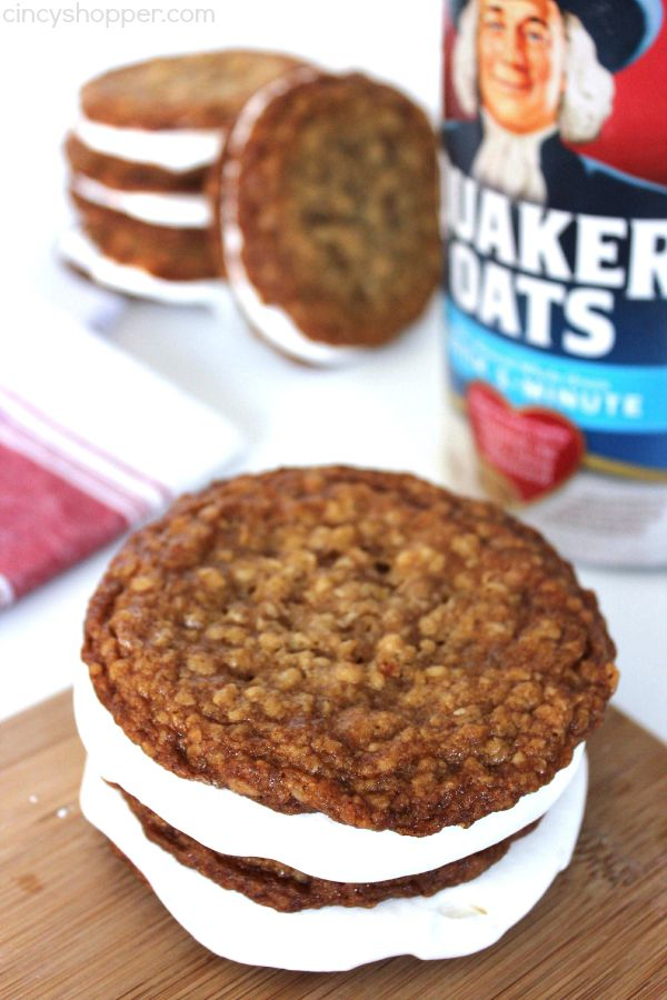 Oatmeal Creme Pies (Like Little Debbie) - Super easy to make at home. So much better than store bought.