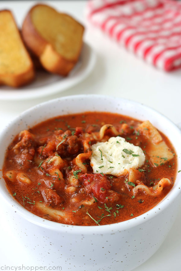 Lasagna Soup - You will find all the great flavors of traditional lasagna right in a bowl. Perfect on a cold winter day!