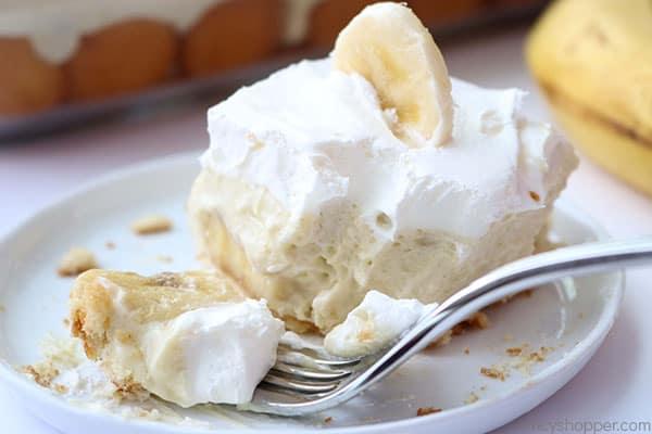 Fork shot of banana pudding