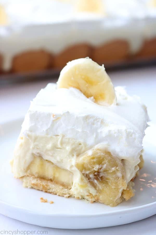 Banana pudding on plate.