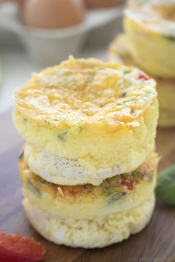 Egg muffins with cheese
