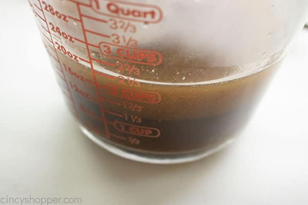Turkey drippings in a measuring cup