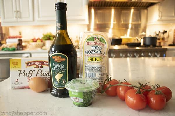 Ingredients to make Caprese Appetizer Bites