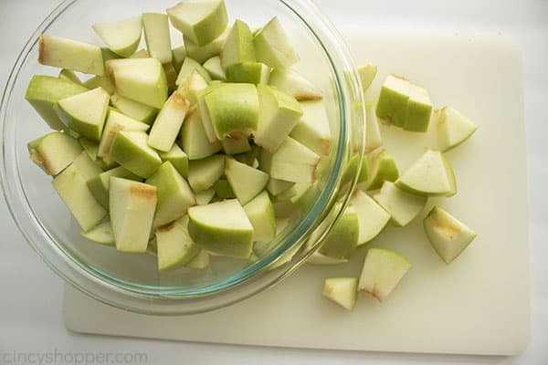 Diced green apples for salad